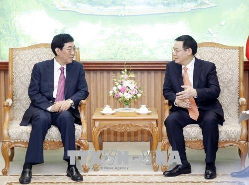 Mendorong perdagangan Vietnam – Tiongkok berkembang secara seimbang dan berkesinambungan - ảnh 1