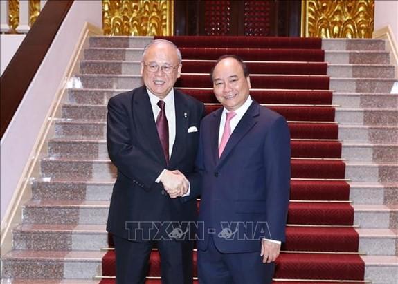 PM Vietnam, Nguyen Xuan Phuc menerima Penasehat Persekutuan Legislator Persahabatan Jepang-Vietnam - ảnh 1