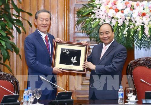 PM Vietnam, Nguyen Xuan Phuc menerima Ketua Konfederasi Industri Republik Korea - ảnh 1