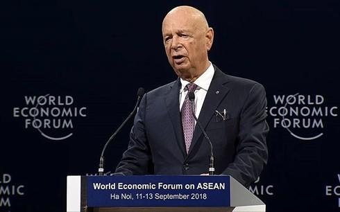 """Konferensi WEF ASEAN 2018 resmi membuka sidang pleno dengan tema: """"Prioritas-Prioritas ASEAN dalam Revolusi Industri generasi keempat"""" - ảnh 1"""