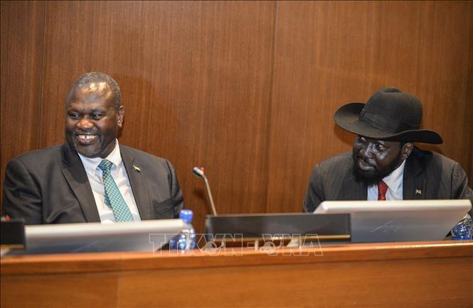 Sudan Selatan: Pemerintah dan faksi pemberontak menandatangani permufakatan damai - ảnh 1