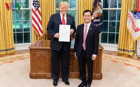 Presiden AS, Donald Trump menilai tinggi langkah perkembangan hubungan Kemitraan Komprehensif  Vietnam- AS - ảnh 1