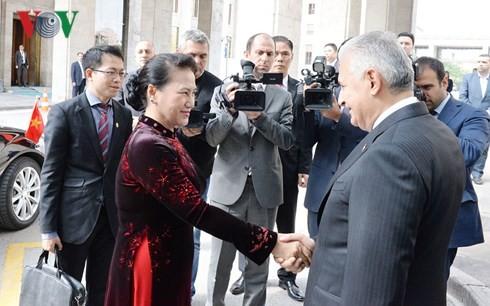 Ketua MN Vietnam, Nguyen Thi Kim Ngan melakukan pembicaraan dengan Ketua Parlemen Turki dan melakukan pertemuan dengan Presiden Turki - ảnh 1