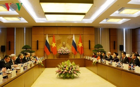 Ketua Duma Negara Rusia mengakhiri kunjungan resmi di Vietnam - ảnh 2