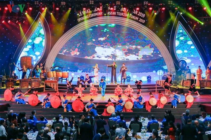 Membuka Forum Pariwisata ASEAN 2019 - ảnh 1