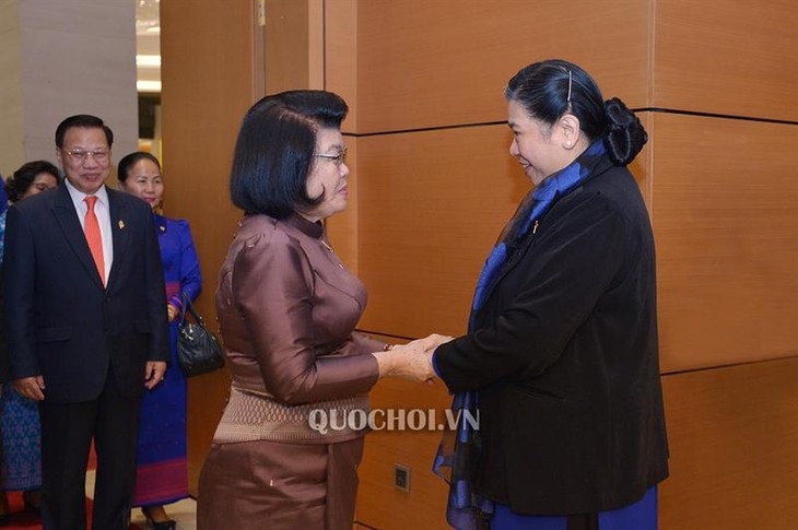 Delegasi Parlemen Kerajaan Kamboja melakukan kunjungan resmi di Vietnam - ảnh 1