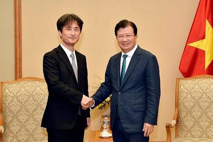 Deputi PM Vietnam, Trinh Dinh Dung: Memacu badan usaha Jepang melakukan investasi dan mengembangkan infrastruktur dan energi - ảnh 1