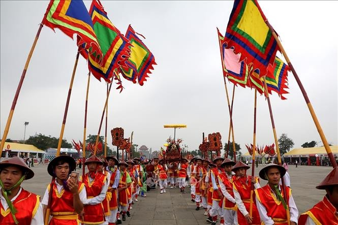 Hari Haul Cikal Bakal Negara Raja Hung – Festival Kuil menyembah Raja Hung tahun 2019: Banyak aktivitas yang khas melayani para pengunjung - ảnh 1
