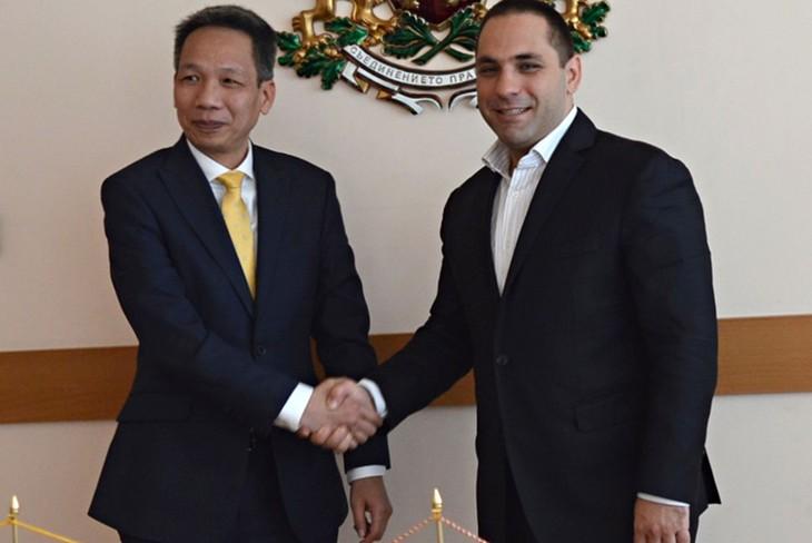 Bulgaria mendukung penandatanganan Perjanjian Perdagangan Bebas Uni Eropa - Vietnam  - ảnh 1