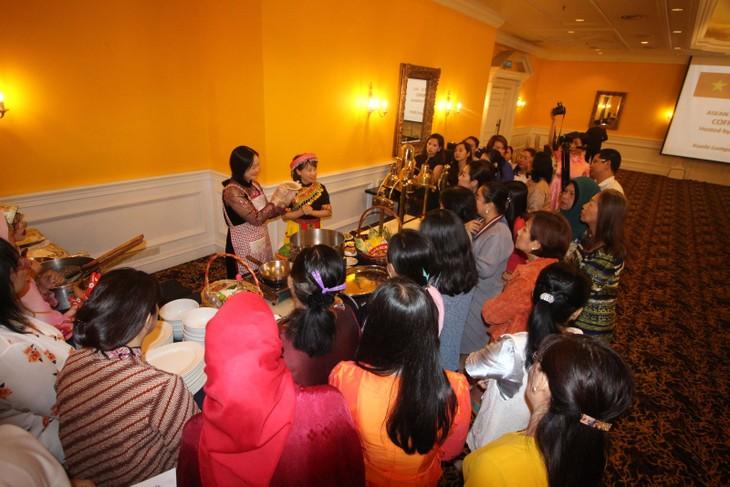 Kuliner Vietnam menyerap sahabat ASEAN di Malaysia - ảnh 1