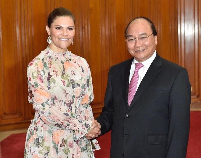 PM Nguyen Xuan Phuc menerima mantan Menteri Keuangan AS dan Putri Mahkota Swedia    - ảnh 2