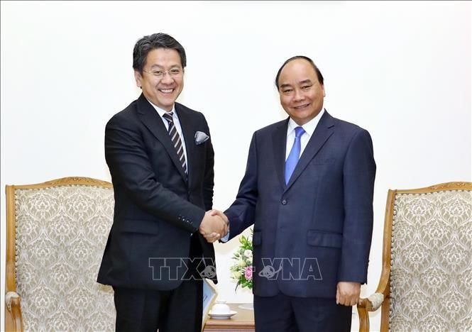 PM Vietnam, Nguyen Xuan Phuc menerima Gubenur Bank Kerjasama Internasional Jepang - ảnh 1