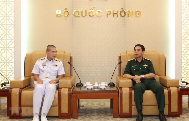 Tentara Vietnam dan Thailand memperkuat kerjasama patroli gabungan di laut - ảnh 1