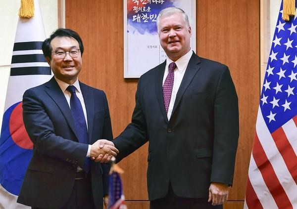 AS dan Republik Korea menegaskan bersedia mengadakan kembali perundingan tentang denuklirisasi dengan RDRK  - ảnh 1