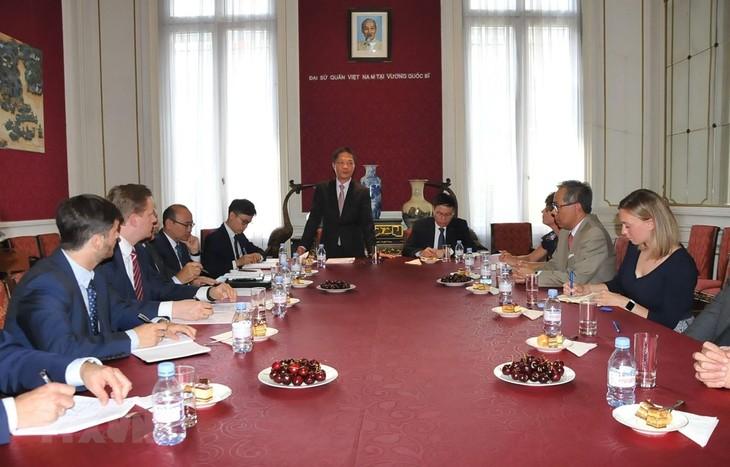 Vietnam dan Uni Eropa berupaya keras untuk Perjanjian Perdagangan Bebas - ảnh 1