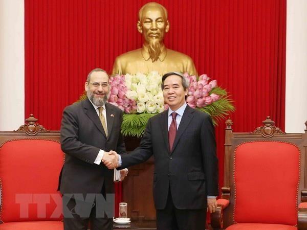 Kepala Departemen Ekonomi KS PKV, Nguyen Van Binh menerima kepala delegasi Kementerian Keuangan AS, Michell Silk - ảnh 1