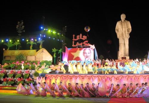 Aktivitäten zum 122. Geburtstag von Präsident Ho Chi Minh - ảnh 2