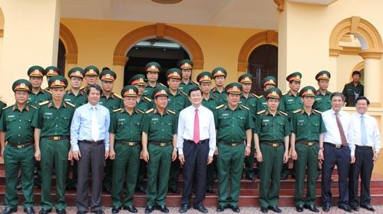 Staatspräsident Truong Tan Sang setzt seinen Besuch der Provinz Phu Tho fort - ảnh 1