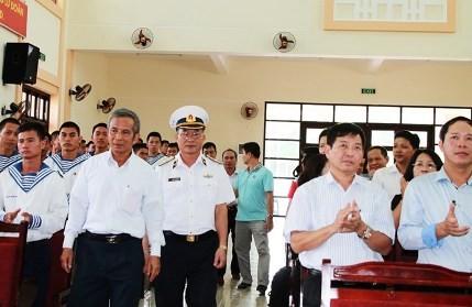 Erforschung der Gedenkstätte der gefallenen Soldaten auf der Insel Gac Ma - ảnh 1