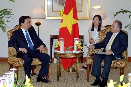 Tätigkeiten des Premierministers Nguyen Tan Dung in Indien - ảnh 2