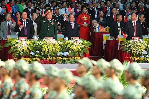 Parade zum 40. Jahrestag der Vereinigung des Landes - ảnh 13