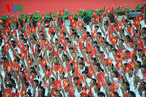 Parade zum 40. Jahrestag der Vereinigung des Landes - ảnh 3