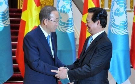 Premierminister Nguyen Tan Dung trifft UN-Generalsekretär Ban Ki-moon - ảnh 1
