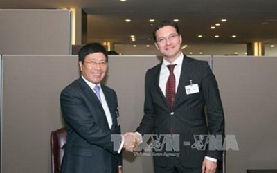 Vize-Premierminister, Außenminister Pham Binh Minh trifft Amtskollegen aus Bulgarien und Dänemark - ảnh 1