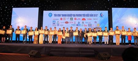 Ho Chi Minh Stadt ehrt 100 herausragende Unternehmen - ảnh 1