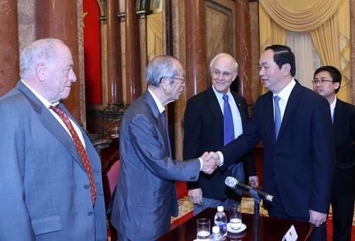 Staatspräsident: Zu Erfolge Vietnams tragen Wissenschaftler aus dem In- und Ausland bei - ảnh 1