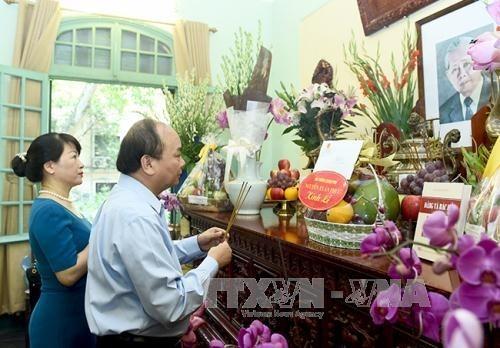 Premierminister Nguyen Xuan Phuc gedenkt den verstorbenden KPV-Generalsekretär Le Duan - ảnh 1