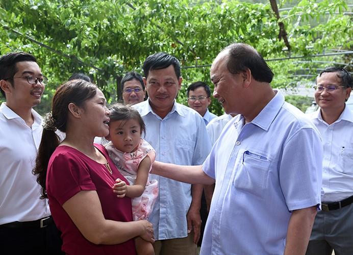 Premierminister Nguyen Xuan Phuc besucht Gemeinde Nam Giang der Provinz Nghe An - ảnh 1