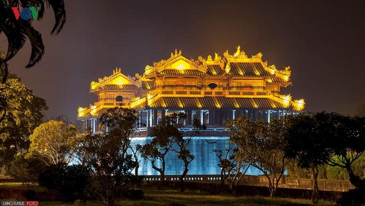 Die Schönheit der Kaiserstadt Hue in der Nacht - ảnh 5