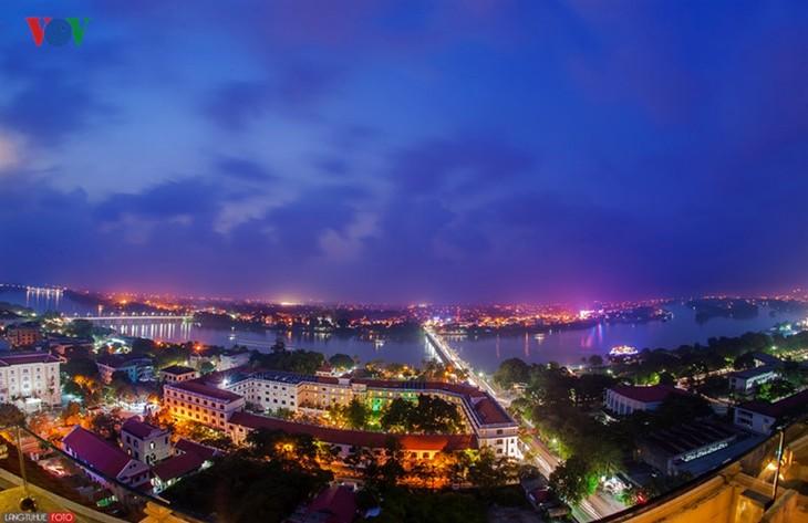 Die Schönheit der Kaiserstadt Hue in der Nacht - ảnh 8