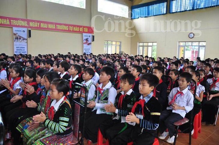 Mitglieder der Volksgruppen leisten einen wichtigen Beitrag zur Bewahrung traditioneller Kulturen  - ảnh 1
