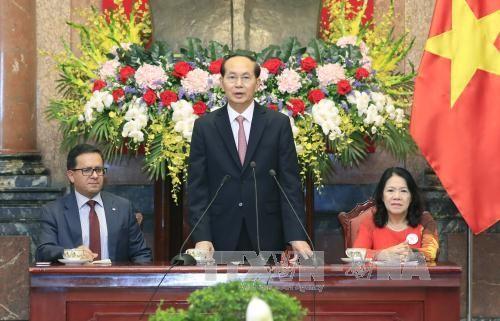 Staatspräsident Tran Dai Quang empfängt Vertreter der internationalen Rotkreuz-Gesellschaften - ảnh 1