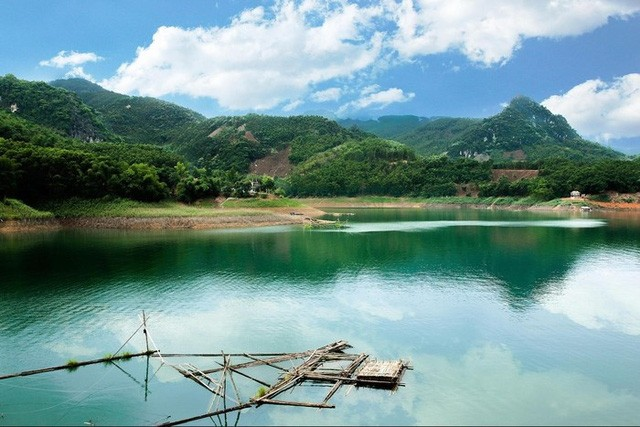Thung Nai, die Halong-Bucht mitten im Gebirge im Nordwesten - ảnh 1