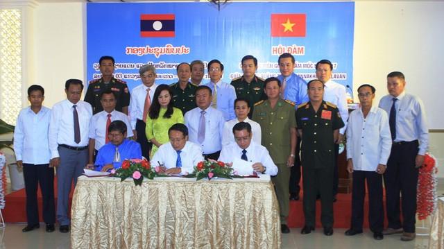 Effektive Zusammenarbeit zwischen laotischen und vietnamesischen Provinzen  - ảnh 1