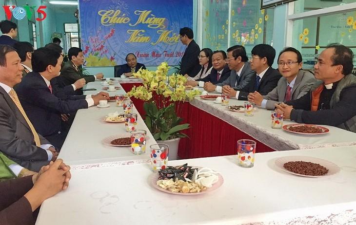 Premierminister Nguyen Xuan Phuc besucht Streitskräfte in  Da Nang - ảnh 1