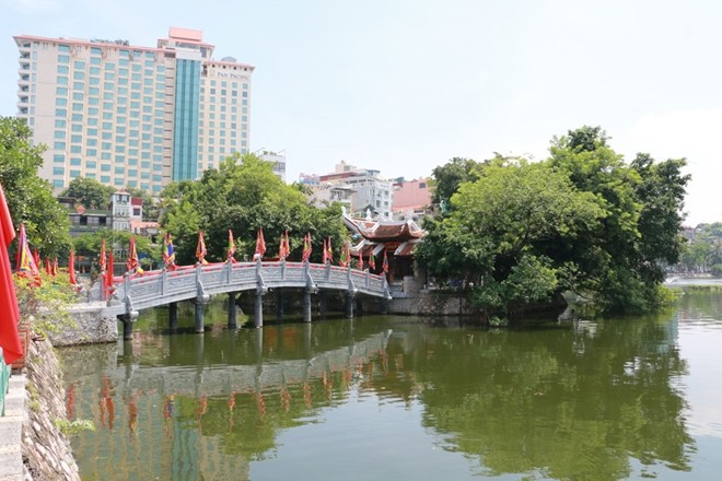 Besuch beim Tempel Cau Nhi zum neuen Jahr - ảnh 1