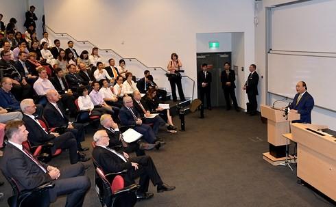 Premierminister Nguyen Xuan Phuc besucht die australische Nationaluniversität - ảnh 1