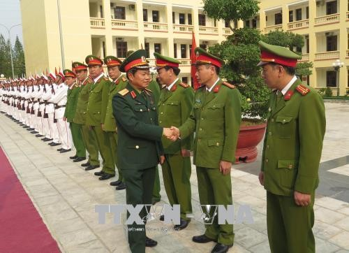 Vize-Parlamentspräsident Do Ba Ty besucht Provinz Dien Bien - ảnh 1