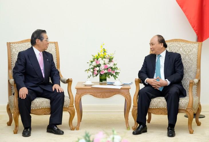 Premierminister Nguyen Xuan Phuc empfängt Südkoreas Präsident Moon Jae-in - ảnh 1