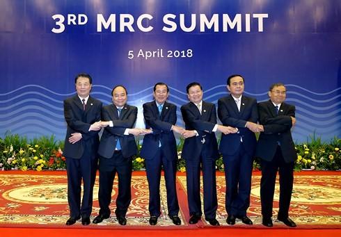 베트남 국무총리, 제3차 메콩강위원회 고위급회의에 참석 - ảnh 2