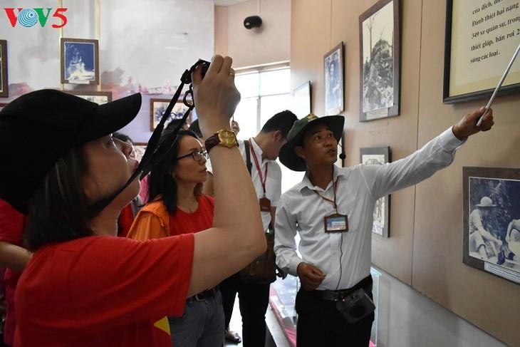 Besuche an den historischen Orten in Truong Son - ảnh 19