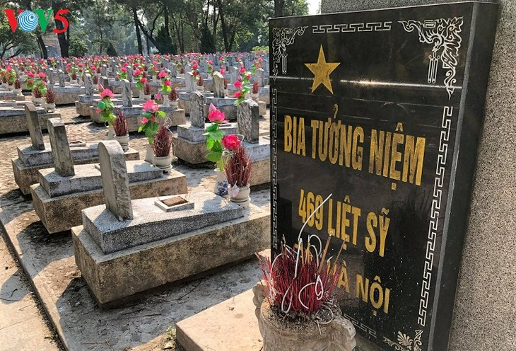 Besuche an den historischen Orten in Truong Son - ảnh 6