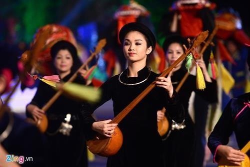 Die Farben der Volksgruppe der Tay in Ha Giang - ảnh 1