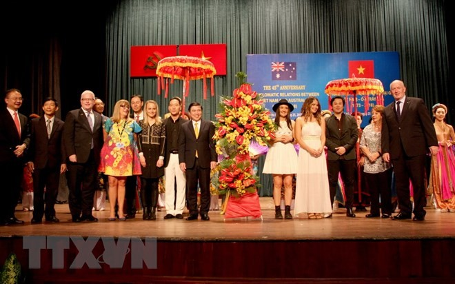 Feier zum 45. Jahrestag der Aufnahme diplomatischer Beziehung zwischen Vietnam und Australien - ảnh 1