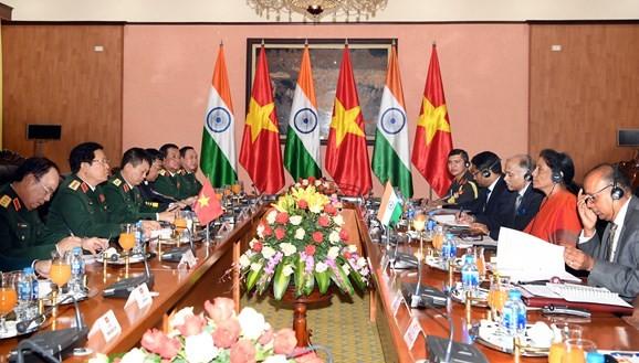 Verteidigungsminister Ngo Xuan Lich empfängt Delegation des indischen Verteidigungsministeriums - ảnh 1