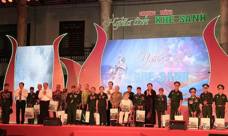 """Vize-Parlamentspräsidentin Tong Thi Phong nimmt am Programm """"Liebe zu Khe Sanh"""" teil - ảnh 1"""